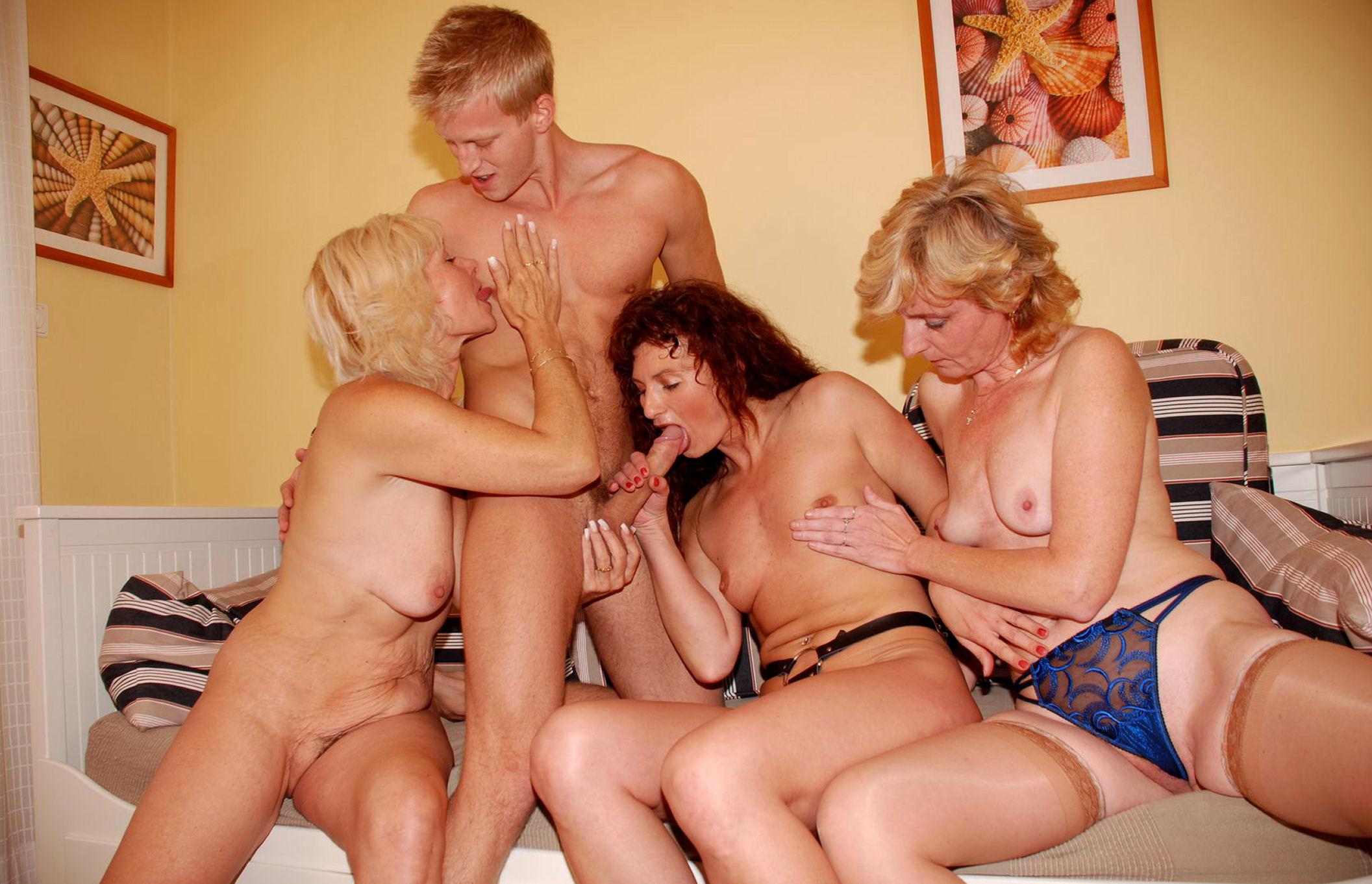 порно видео мамочек групповое